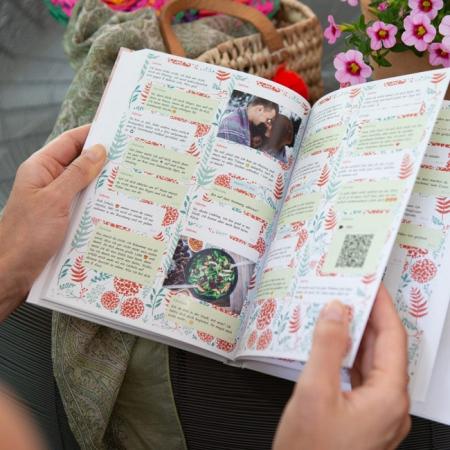 zapptales Chatbuch Hintergrund rote Blumen
