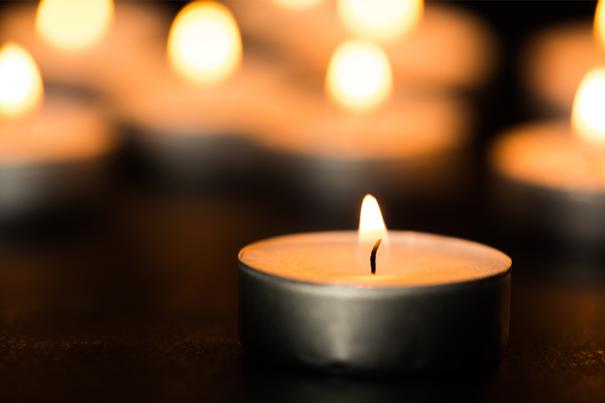 Kerze anzünden als Trauerritual
